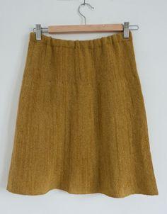 Sideways machine knit skirt - En blogg om maskinstickning