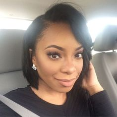 Beautiful wigs for black women lace front wigs human hair wigs african american wigs short wigs curly wigs, bob wigs, etc. The same as the hairstyles in the picture. Black Women Hairstyles, Bob Hairstyles, Straight Hairstyles, Hairstyles Pictures, American Hairstyles, Kinky Curly Wigs, Human Hair Wigs, Short Hair Cuts, Short Hair Styles