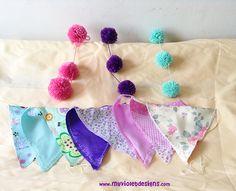 Mini guirnaldas de pompones con banderines combinados  My Violet  myvioletdesigns.com