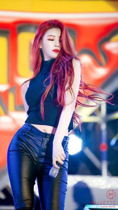 ( *`ω´) ιf you dᎾℕ't lιkє Ꮗhat you sєє❤, plєᎯsє bє kιnd Ꭿℕd just movє ᎯlᎾng. Red Hair Kpop Girl, Kpop Hair, Girls With Red Hair, Kpop Outfits, Sexy Outfits, Kpop Girl Groups, Kpop Girls, Korean Beauty, Asian Beauty