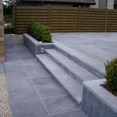 blue stone scraped Modern Stairs Blue scraped stone blue stone scraped Modern S… - Back yard patio Back Garden Design, Modern Garden Design, Landscape Design, Garden Tiles, Garden Paving, Terrace Tiles, Patio Tiles, Patio Steps, Garden Steps