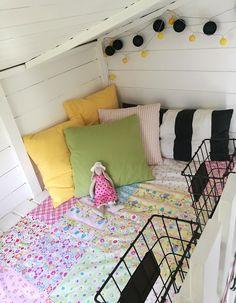 Ideatasku: kranssit Toddler Bed, Furniture, Home Decor, Child Bed, Decoration Home, Room Decor, Home Furnishings, Home Interior Design, Home Decoration