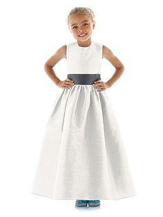 simple flower girl dress. <3