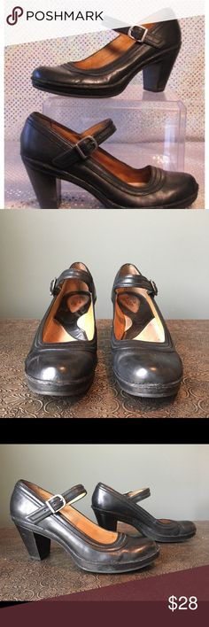 Clark's Artisan Mary Jane Comfort Career Pumps I bought these during my short stent in substitute teaching.  The best comfort and style when working on your feet.    There is so much life left in these vintage style Mary Janes!  Worn only a handful of times... Vintage style Clarks Shoes Heels