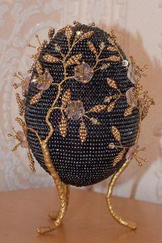 Золотисто-чёрное
