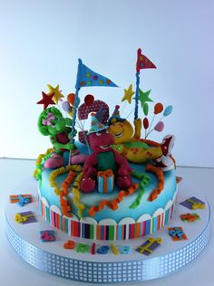 viorica's cakes: Winnie pentru Ania si Barney pentru Anisia