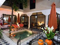 Riad Le Bel Oranger Marrakech Located a 10-minute walk from Jamaâ El Fna Square, this riad features a 24-hour reception, a Hammam with massage sessions, an outdoor swimming pool and 2 terraces. Free Wi-Fi is provided in the public areas and transfers can be arranged.