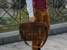View our The Hamilton Leather Briefcase for Men from Scaramanga's range of leather bags. Our leather briefcase will make a great gift for men this season. Shop today for unique gifts for men. Unique Gifts For Men, Men Gifts, Gifts For Him, Briefcase For Men, Leather Briefcase, Leather Bags, Vintage Gifts, Hamilton, Messenger Bag