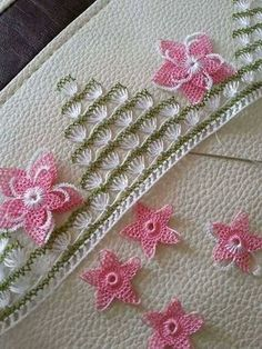 We have compiled free needle lace patterns and samples for every skill level. Browse lots of Free Crochet Patterns and Samples. Crochet Borders, Afghan Crochet Patterns, Baby Knitting Patterns, Knitting Designs, Free Crochet, Tatting Patterns, Lace Patterns, Crochet Needles, Crochet Baby Booties