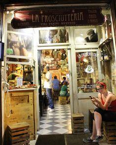La Prosciutteria 🍗🍖🍷 #trastevere #prosciutto #prosciutteria #vino #roma #rome #yum #yummy #ig_italy #ig_rome #ig_roma #italy #instatravel #lonelyplanet #igersturkey #beatifuldestinations #ikibavulbirdünya #travel #cokgezenlerkulubu #hurriyetseyahat #geziyorum #gezgin #pegasusairlines #instagramers #dolcevita #photooftheday #picoftheday #shotoftheday