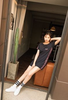 Suzy (수지) is a South Korean actress and solo singer under Management SOOP. Suzy debuted as a member of MissA in March 2010 under JYP En. Korean Girl, Asian Girl, Miss A Suzy, Bae Suzy, Cosmic Girls, Korean Actresses, Asian Actors, Korean Model, Ulzzang Girl