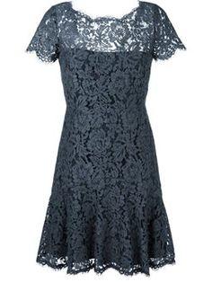 Vestido de renda floral