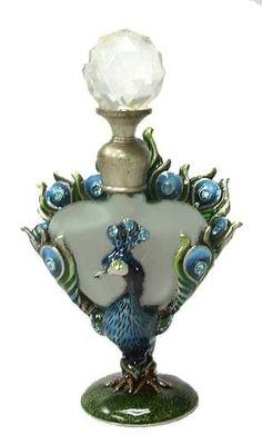 Peacock perfume | http://amazingcolorfulrainbows.blogspot.com