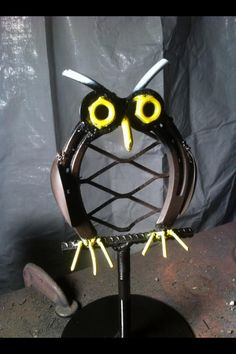 Baby owl yard art welded from horse shoe. #horse shoe