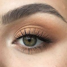 Classic brown eyes - - Classic brown eyes Beauty Makeup Hacks Ideas Wedding Makeup Looks for Women Makeup Tips Prom Makeup ideas Cut Natural Makeup Halloween Makeup and More. Makeup Inspo, Makeup Inspiration, Makeup Tips, Makeup Ideas, Makeup Set, Makeup Tutorials, Ball Makeup, Makeup Designs, Makeup Style