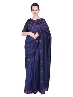 Milan Design is the ultimate choice for the fashionista in you. Milan offers a wide variety of Designer Sarees Online in Kochi, Kerala, India. Hand Embroidery Dress, Embroidery Saree, Embroidered Blouse, Embroidery Patterns, Saree Blouse Patterns, Saree Blouse Designs, Black Cotton Saree, Designer Sarees Online, Work Sarees