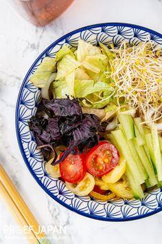 Koude udon noedels met groente (hiyashi tanuki udon) | Proef Japan Food Japan, Edamame, Cobb Salad, Pasta, Pasta Recipes, Pasta Dishes