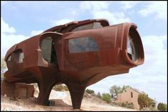 Robert Bruno's Metal Mansion  ::   Ransom Canyon, TX  ::    On-going  sculpture/home since 1973
