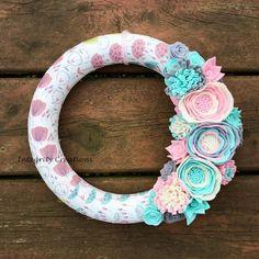 World of Color: Fabric Wrapped Metal Hoop Earrings Felt Flower Wreaths, Felt Wreath, Fabric Wreath, Floral Wreath, All Flowers, Felt Diy, World Of Color, Summer Wreath, Cute Crafts