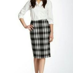 Bobeau Black and White Plaid Skirt New black and white plaid skirt . Lined pencil skirt with flat elastic front . I'm 5'6 and this hits a little below my knee. Bobeau Skirts