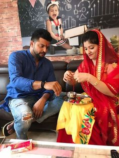 Suresh Raina celebrates Raksha Bandhan with his sister Renu For more cricket fun and updates click http://ift.tt/2gY9BIZ - http://ift.tt/1ZZ3e4d