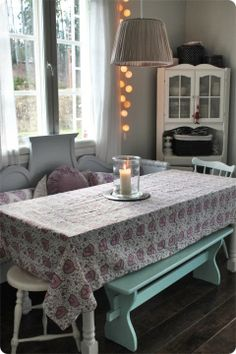 V a l k e a a U n e l m a a Cottage Living, Shabby Chic Style, Country Style, Home Kitchens, Dining Table, Jewel Box, Room, House, Furnitures