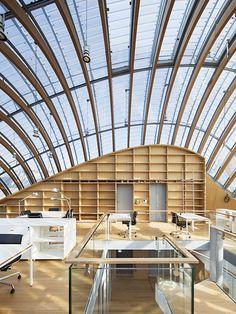Après cinq ans de travaux, Pathé a enfin trouvé un lieu à la hauteur de ses archives séculaires. De quoi ravir les plus experts cinéphiles et les amateurs d'architecture puisque c'est Renzo Piano qui a imaginé cette fondation.