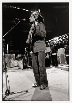Bob Marley during sound check in Paris, during the Exodus Tour. Family First, First Love, Marley Family, Robert Nesta, Nesta Marley, Bob Marley Quotes, The Wailers, European Tour, Guys Be Like