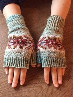 Ravelry: Bracken Mitts pattern by Helen Gray Designs Reading Charts, Finger Weights, Leg Warmers, Fingerless Gloves, Contrast, Colours, Knitting, Grey, Ravelry