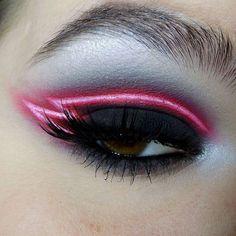 editorial make up - neon eye make up Makeup Goals, Love Makeup, Makeup Inspo, Makeup Art, Makeup Inspiration, Hair Makeup, Makeup Style, Makeup Geek, Eyeliner Makeup
