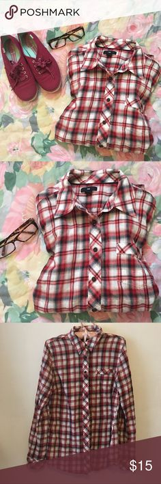 Gap checkered Long sleeve-L Excellent condition •checkered•Large•99% cotton 1% other fibre. GAP Tops Tees - Long Sleeve