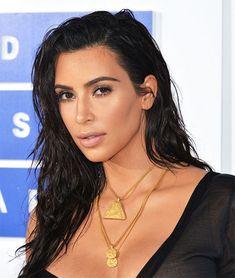 Close certo: como fazer o make e cabelo da Kim Kardashian no VMA! Saiba quais produtos de maquiagem a celebridade usou e seus cuidados com o cabelo.