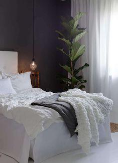 Gravity Home, A grey & white home via Leva & Bo Gravity Home, Blog Deco, Home And Deco, Home Decor Accessories, Cheap Home Decor, Home Remodeling, Bedroom Decor, Master Bedroom, White Bedroom