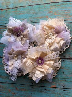 Set of 10 Made to Order/ Linen & Lace Shabby by DolledandDazzled Cloth Flowers, Lace Flowers, Fabric Flowers, Shabby Chic Flowers, Shabby Chic Crafts, Vintage Crochet, Vintage Lace, Crochet Lace, Material Flowers