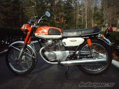 My next vintage bike will be a Honda CB175. Love the 200s but I'm hella short!