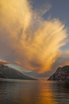 Lake Garda, Italy #lakegarda #lagodigarda #sunset