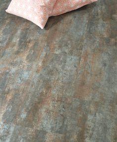 """Amoureux du vintage ou de la déco industrielle, les dalles """"Acier vintage"""" en pvc sont faites pour vous ! Pour habiller le sol de sa cuisine, salle de bain, chambre ou de son salon."""