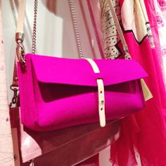 bag/clutch soon also available in Japan......  #rowold #mo14 #felt #japan http://pict.com/p/C7X