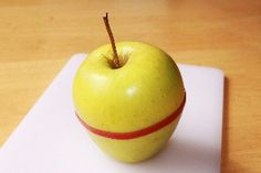Slice apple, place rubber band around, pack in lunch box!