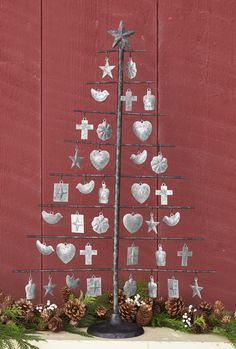 Milagro Tree - This milagro tree decoration is handcrafted in rustic iron, topped with a star. Metal Christmas Tree, Xmas Tree, Christmas Lights, Christmas Diy, Mexican Christmas, White Christmas, Office Christmas Decorations, Tree Decorations, Holiday Decor