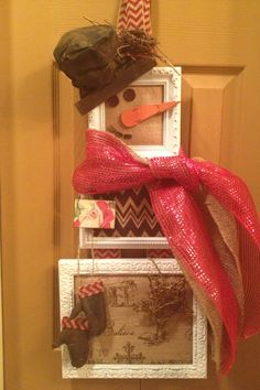 Snowman wreath made out of picture frames and burlap backing.  Carrot nose was purchased at Spoon River drive.  Hat and gloves are handmade by me.  Hope this inspires others:)