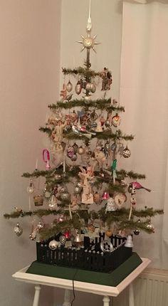 Christmas Tree Art, Christmas Past, Merry Little Christmas, Victorian Christmas, Primitive Christmas, Christmas Holidays, Christmas Crafts, Xmas, Vintage Christmas Photos