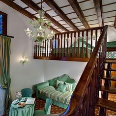 The best photographs of the Romantic Hotel Giorgione in the centre of Venice, historic residence with courtyard, garden and spa pool. Hotel Finder, Hotel Deals, Venice Italy, 4 Star Hotels, Photo Galleries, Places, Furniture, Home Decor, Decoration Home