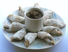 Cornulete cu nuca by ~webster14 on deviantART Romanian Desserts, Romanian Food, Russian Recipes, Deviantart, Delish, Good Food, Sweets, Foods, Eat