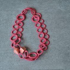 Collana uncinetto corallo in cotone e perle in ceramica | Etsy