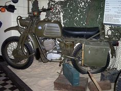 Military Fashion, Military Style, Best Gas Mileage, Retro Motorcycle, Oil Change, Hercules, Restoration, Bike