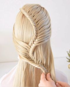 56 Dope Box Braids Hairstyles to Try - Hairstyles Trends Easy Hairstyle Video, Easy Hairstyles For Long Hair, Braids For Long Hair, Fishtail Braid Hairstyles, Box Braids Hairstyles, Cute Hairstyles, Braid Ponytail, Pretty Braided Hairstyles, Wedding Hairstyles