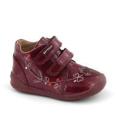 Ghete bebelusi #Garvalin   incaltaminte bebelusi   incaltaminte de toamna pentru bebelusi   incaltaminte confortabila pentru fetite de la 0-2 ani Prada, Baby Shoes, Sneakers, Floral, Kids, Clothes, Fashion, Tennis, Children