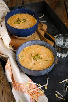 Thaise soep met kip - Lekker eten met LindaYou can find Soup recipes and more on our website. Super Healthy Recipes, Healthy Breakfast Recipes, Soup Recipes, Cooking Recipes, Fish And Meat, Happy Foods, Homemade Soup, Soups And Stews, Asian Recipes
