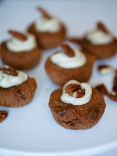 Raw Carrot Muffins #Vegan #Raw #Muffins #Carrots #Pecans